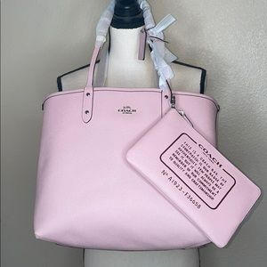 NWT Coach Reversible Signature Carnation City Tote